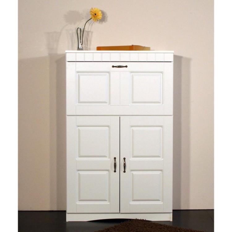 alpenblick schrank f r ein l ndliches heim home24. Black Bedroom Furniture Sets. Home Design Ideas
