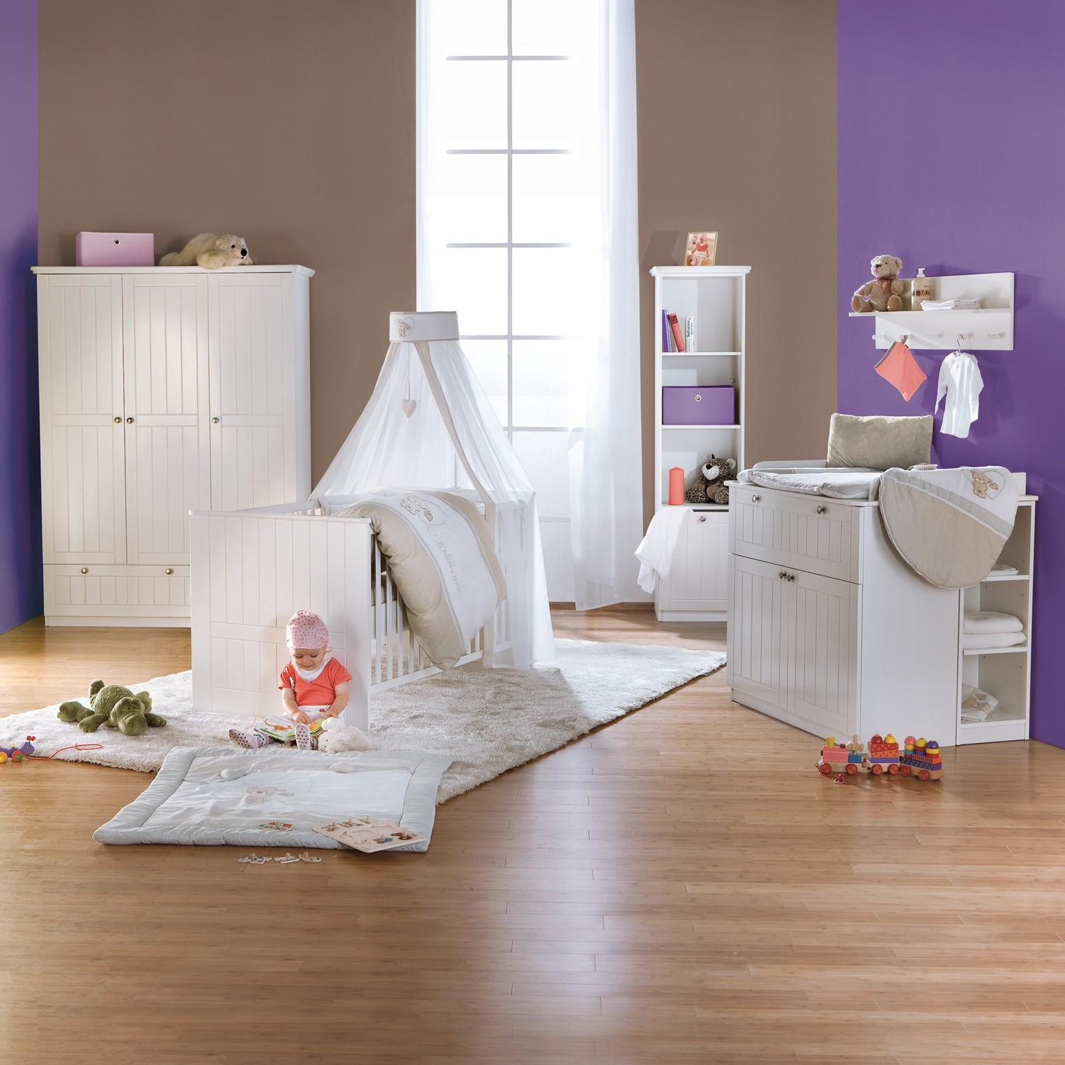sparset dreamworld 2 3 teilig babybett wickelkommode kleiderschrank wei roba jetzt. Black Bedroom Furniture Sets. Home Design Ideas