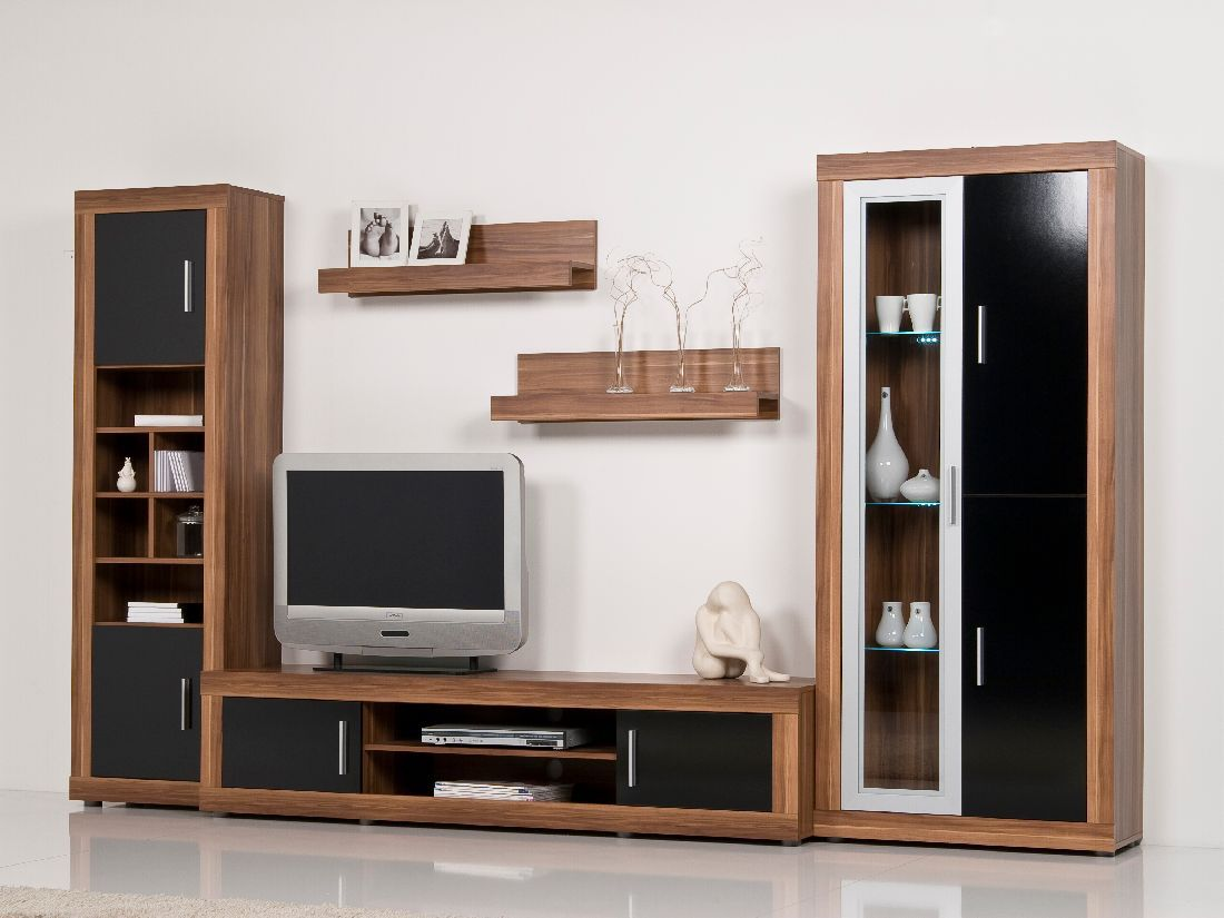 chic wohnwand gro nussbaum schwarz hochglanz. Black Bedroom Furniture Sets. Home Design Ideas