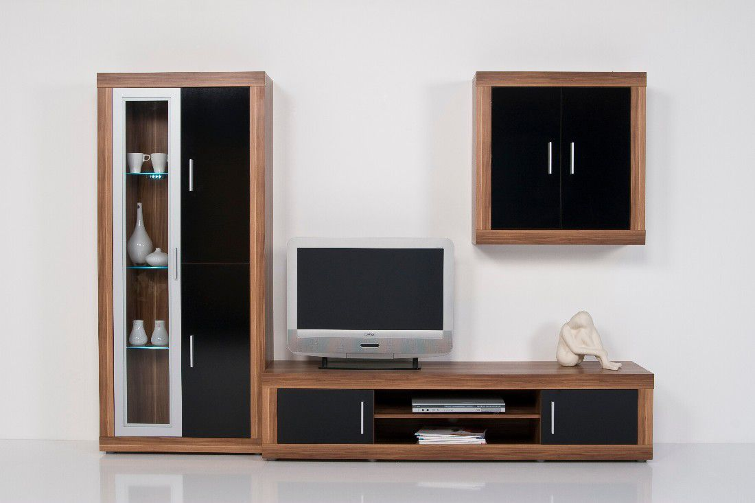 chic wohnwand mit h ngeschrank nussbaum schwarz. Black Bedroom Furniture Sets. Home Design Ideas