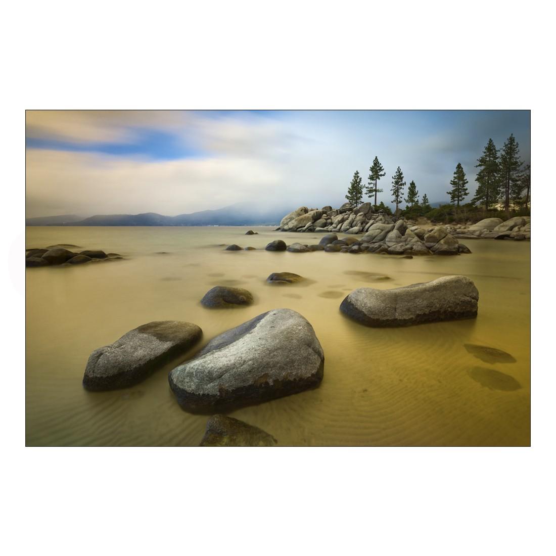 Acrylglasbild Rocky Beach – Abmessung 90×60 cm, Gallery of Innovative Art online bestellen