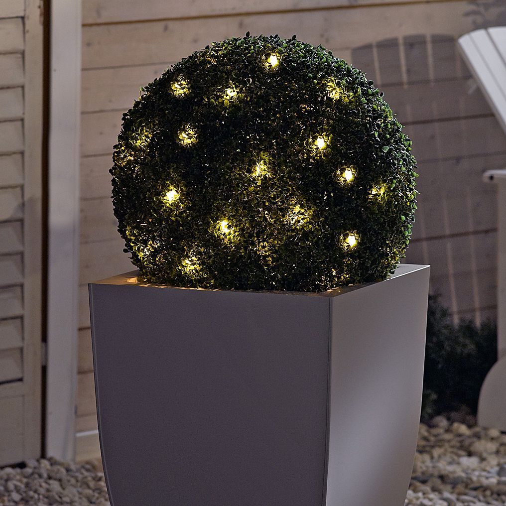 Beleuchtete Kunstpflanze Buchsbaumkugel - Kunststoff - Gruen, PureDay