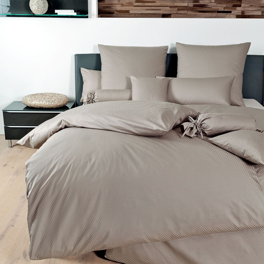 bettw sche mako brokat damast rubin 1323 baumwolle taupe 80x80 cm 155x220 cm janine. Black Bedroom Furniture Sets. Home Design Ideas