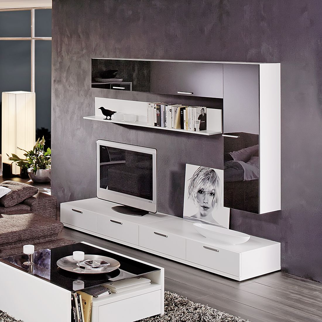 game wohnwand 6 teilig mit absetzung schwarzglas wei. Black Bedroom Furniture Sets. Home Design Ideas