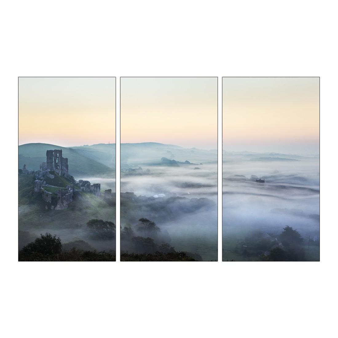 Leinwandbild MISTY MOUNTAIN RUINS  – Abmessung 130 x 80 cm, Gallery of Innovative Art online kaufen