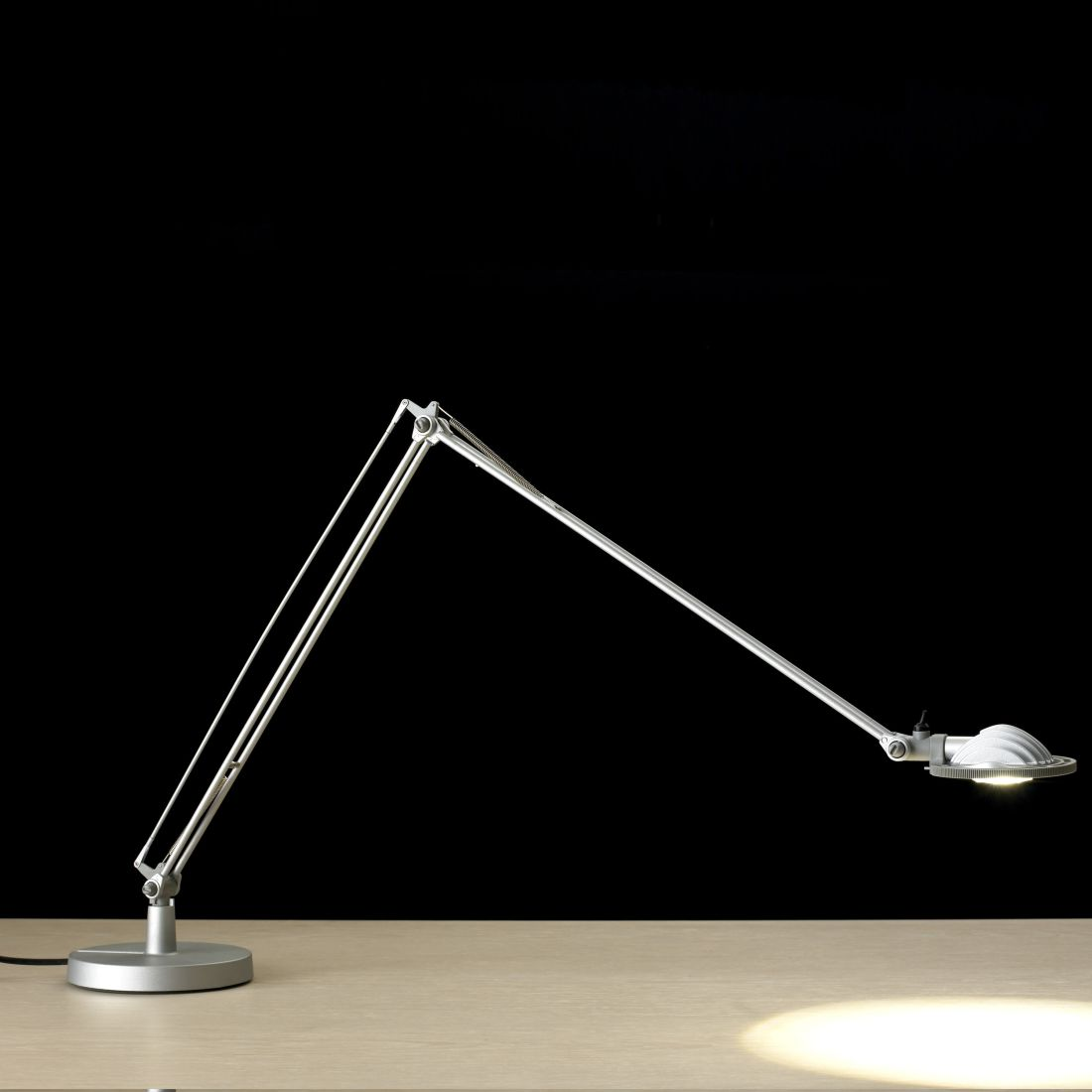 Tischleuchte Berenice LED ● Aluminium ● Schwarz- Luceplan