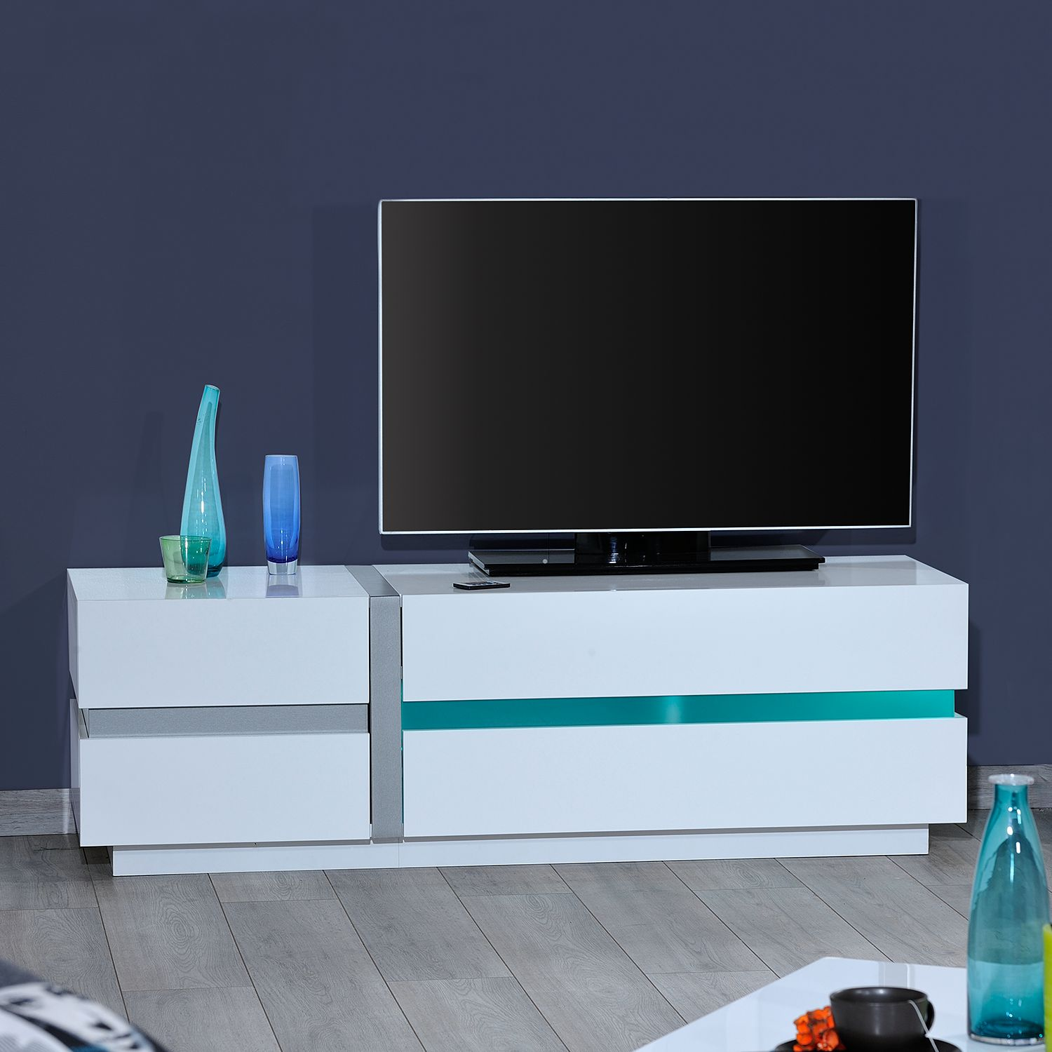 tv lowboard cross von s c i a e 150 cm breit inkl beleuchtung nur 419 99 cherry m bel. Black Bedroom Furniture Sets. Home Design Ideas