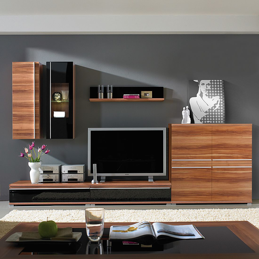 wohnwand cincinatti 6 teilig mit zwei h ngeelementen walnuss schwarzglas. Black Bedroom Furniture Sets. Home Design Ideas