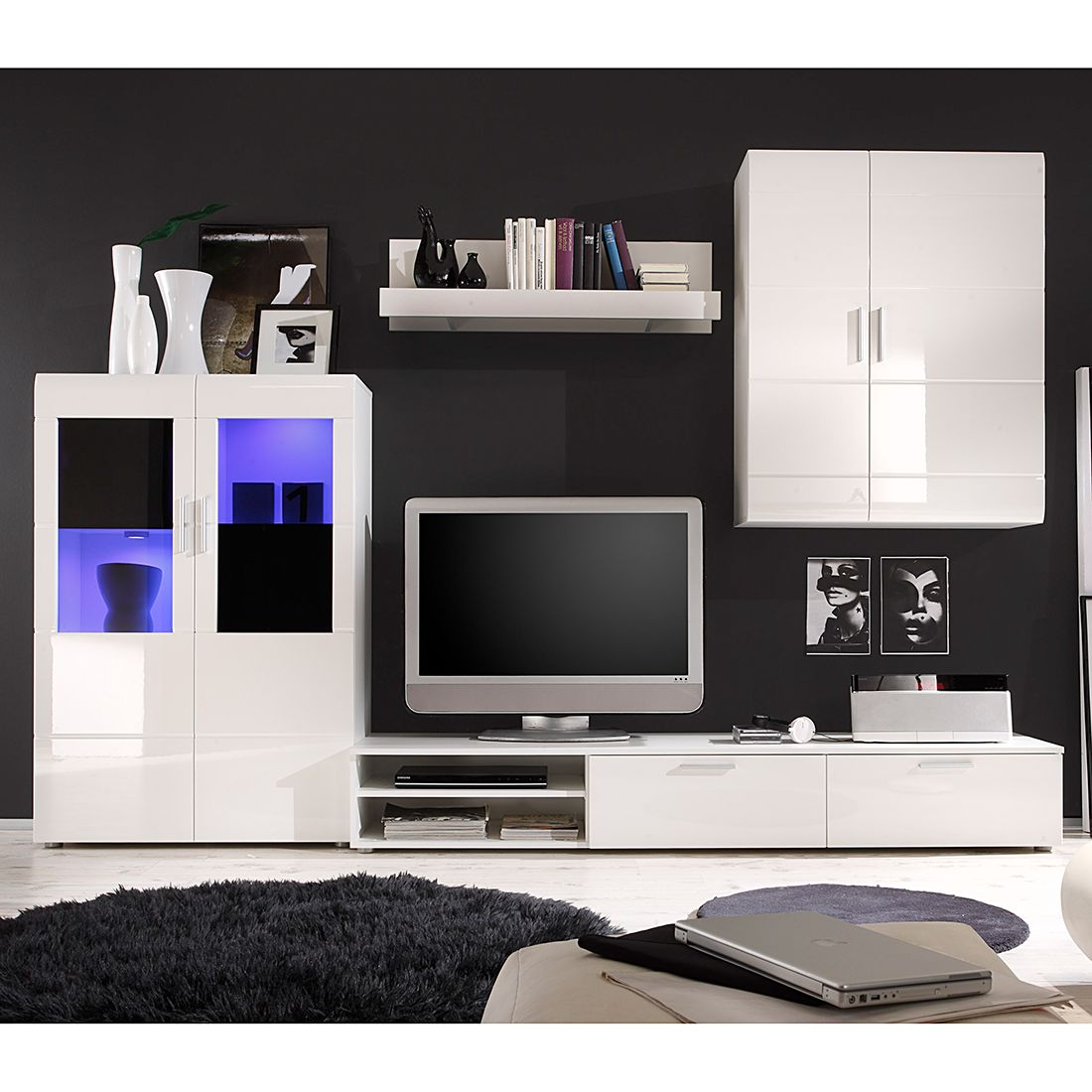 wohnwand dark moon ii 4 teilig hochglanz wei absetzung schwarz ohne beleuchtung schrank. Black Bedroom Furniture Sets. Home Design Ideas