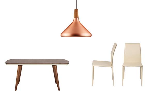 Esstisch, Stühle und eine Pendelleuchte