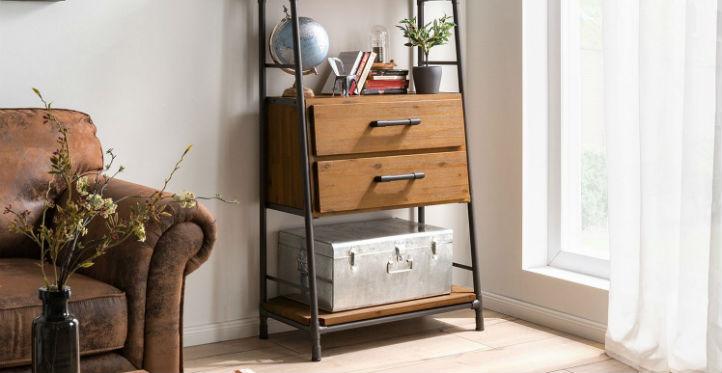 Étagère échelle à tiroirs au style industriel et canapé en cuir - home24