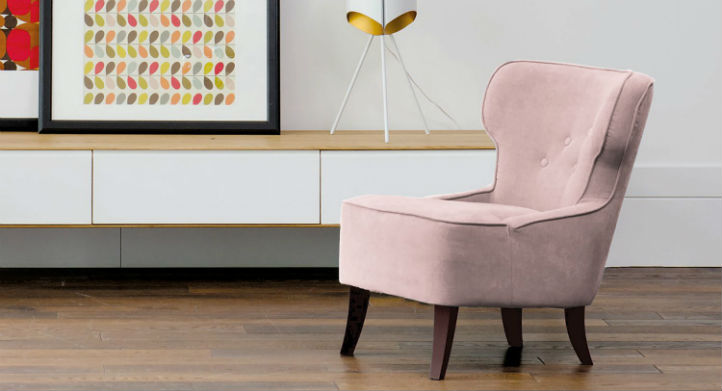 Fauteuil bergère rose et étagère murale de style scandinave - home24