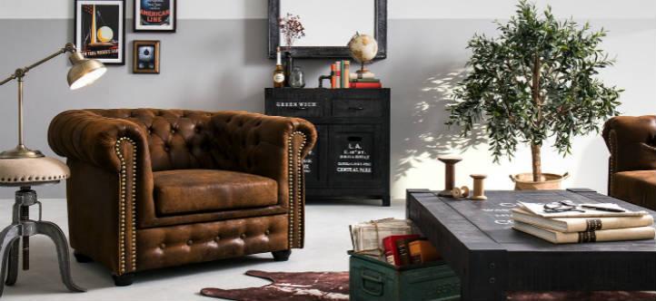 Fauteuil Chesterfield en imitation cuir et lampe de table avec effet patiné - home24