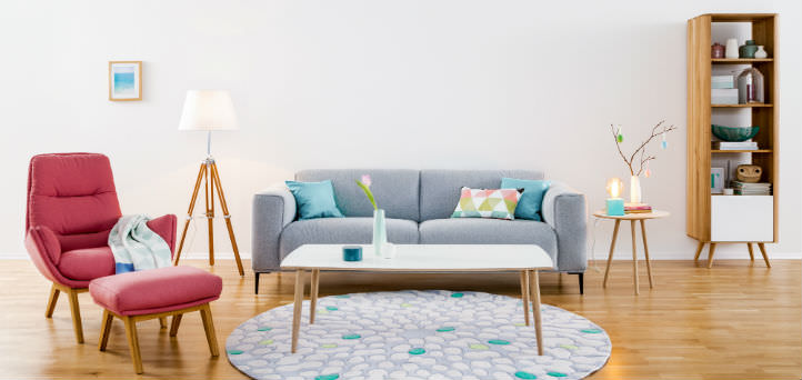 Modernes graues Sofa mit rotem Sessel - home24