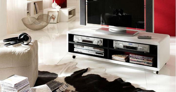Meuble hi-fi blanc à roulettes et pouf cube - home24